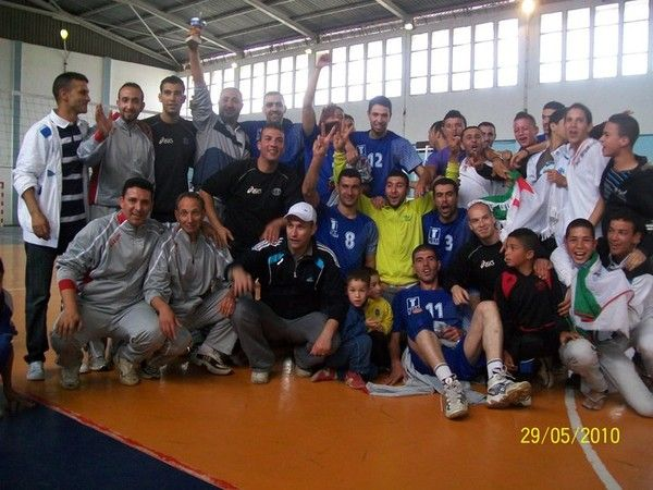 L'OMK El Milia remporte le tournoi play-off DE VOLLEY